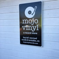 Photo prise au Mojo Vinyl par Jeff Cruz T. le12/29/2016