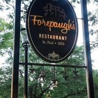 Foto tomada en Forepaugh's Restaurant por Shannon H. el 7/20/2013