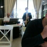 "Снимок сделан в Гранд-бистро ""Perlanera"" пользователем Алёна Дернова 6/16/2015"