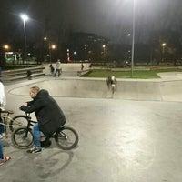 Das Foto wurde bei Скейт-парк «Садовники» von Andrey K. am 10/22/2016 aufgenommen
