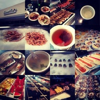 Photo taken at SanTo's Modern American Buffet & Sushi by Kamile on 7/21/2013