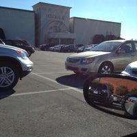 Das Foto wurde bei Oxmoor Center von Karen J. am 10/9/2012 aufgenommen