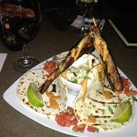 Das Foto wurde bei Twigs Bistro & Martini Bar von Katelynn am 1/13/2013 aufgenommen
