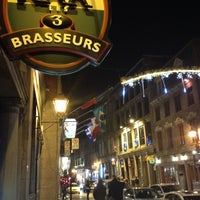 Photo taken at Les 3 Brasseurs by Molly S. on 12/7/2013