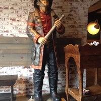 Foto scattata a Nicky's Firehouse Italian Restaurant & Pizzeria da Regina il 10/31/2013
