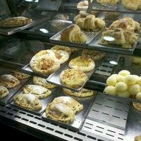 Photo taken at Doce Momento Padaria & Confeitaria by Ana S. on 9/23/2012