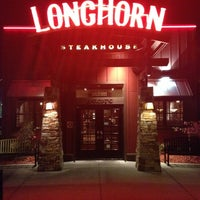 Photo taken at LongHorn Steakhouse by Darrell A. on 3/22/2014