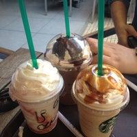 4/26/2013 tarihinde Ödülziyaretçi tarafından Starbucks'de çekilen fotoğraf