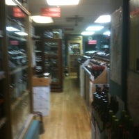 Foto diambil di Windsor Wine Shop oleh Sean H. pada 7/31/2011
