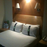 Photo taken at Holiday Inn Coventry M6, Jct.2 by Mark B. on 9/26/2011