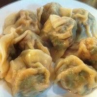 Foto tomada en Peking Dumpling Wong 北京水餃皇 por dindin el 8/10/2012