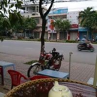 Photo taken at Cafe Bảo Trân 3 by Quốc Dân on 12/20/2013