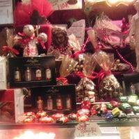 10/18/2012 tarihinde Didem A.ziyaretçi tarafından J'adore Chocolatier'de çekilen fotoğraf