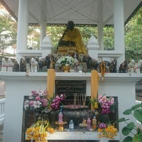 Photo taken at วัดแค (ราชานุวาส) by Pim C. on 1/2/2017