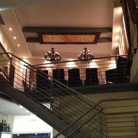 Das Foto wurde bei V8 Hotel von Kirill am 10/18/2012 aufgenommen