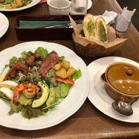Photo taken at ロイヤルホスト 諏訪インター店 by chai on 9/15/2018