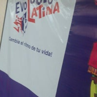 Photo taken at Evolucion Latina by Moisés V. on 11/9/2012