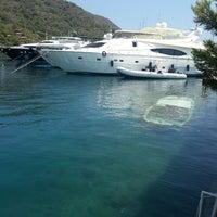 Photo prise au Marmaris Yacht Marina par Okan N. le7/13/2013
