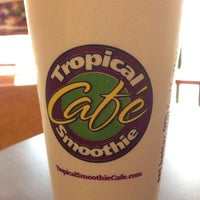 Photo taken at Tropical Smoothie Cafe by Mia on 7/1/2014