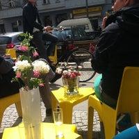 Das Foto wurde bei Rosa Canina von tomas i. am 5/3/2013 aufgenommen