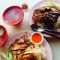 Photo taken at Lorong 29 Sing Lian Eating House by Daryll J. on 6/10/2015