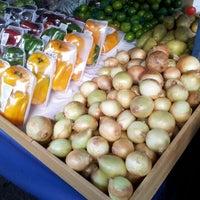 Photo taken at Banca de Frutas - Sumaré by Manuela P. on 9/22/2012