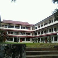Photo taken at Fakultas Teknik by hikari y. on 7/7/2013
