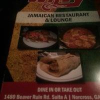 Photo taken at Wavy Restaurant & Lounge by Junia J. on 9/21/2013