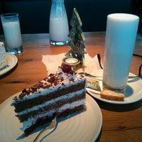 12/8/2013에 Edwin K.님이 Ya Café에서 찍은 사진