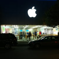Photo taken at Apple Southlake Town Square by Bill D. on 10/18/2013