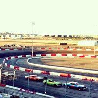 Foto tirada no(a) Bullring at Las Vegas Motor Speedway por Scott R. em 6/16/2013