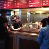 Das Foto wurde bei Chipotle Mexican Grill von Bryce am 8/6/2013 aufgenommen