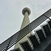 Das Foto wurde bei Berliner Fernsehturm von Athirach H. am 7/19/2013 aufgenommen