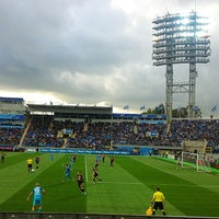 Photo taken at Стадион «Петровский» by K🔫A💣T🔪I💀E on 9/28/2013