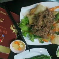 Photo taken at Love Phở Hà Nội by Ruby P. on 10/9/2013