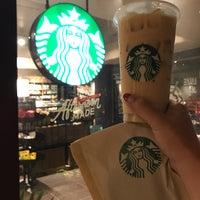 Das Foto wurde bei Starbucks von カナエ ハ. am 7/30/2018 aufgenommen