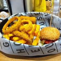 4/15/2013 tarihinde Yusufziyaretçi tarafından Burger House'de çekilen fotoğraf