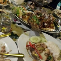 Photo taken at ครัวชมทะเล by Michael F. on 12/23/2016