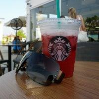 7/14/2013 tarihinde Kerem K.ziyaretçi tarafından Starbucks'de çekilen fotoğraf