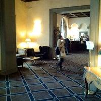 Foto scattata a Grand Hotel Baglioni da th'Reedz Z. il 10/13/2012