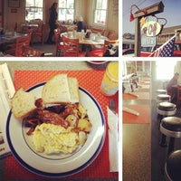 Photo taken at The Art Cliff Diner by Graham S. on 3/18/2013