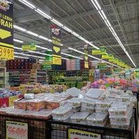Photo taken at Giant Hypermarket by Verissa Rana K. on 9/28/2016