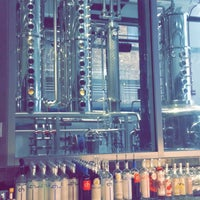 3/31/2016 tarihinde Michelle J.ziyaretçi tarafından CH Distillery & Cocktail Bar'de çekilen fotoğraf