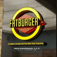 Photo taken at Fat Burger by Moiz™ N. on 9/6/2016