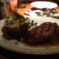 Photo taken at Hillstone Restaurant by Highern C. on 5/3/2013