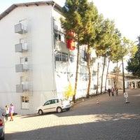 Photo taken at Atatürk Anadolu Sağlık Meslek Lisesi by Hüseyin Ç. on 11/12/2013