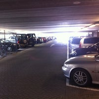 Photo taken at Parkeergarage Roermondsepoort by Huub V. on 4/3/2013