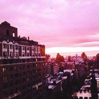 Foto tomada en NYU Rubin Residence Hall por Zak K. el 10/7/2013