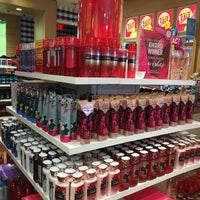Photo taken at Bath & Body Works by Greg D. on 6/16/2016