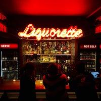 Photo prise au Genuine Liquorette par Kevin G. le10/9/2016